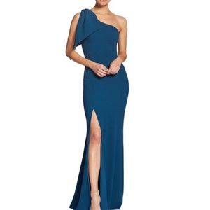 One shoulder gown with slit